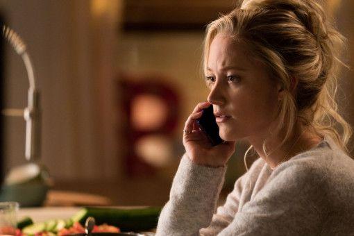 Erica (Maika Monroe) kann die seltsame Beziehung ihrer Freundin Frances zu der älteren Witwe Greta nicht verstehen.