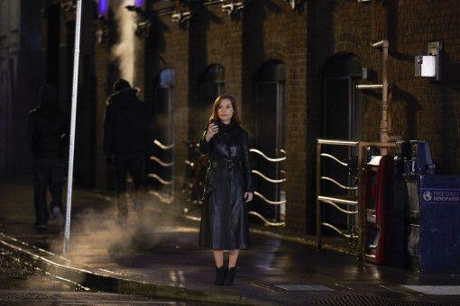 Greta (Isabelle Huppert) entpuppt sich als Stalkerin, die Frances immer näher kommt.