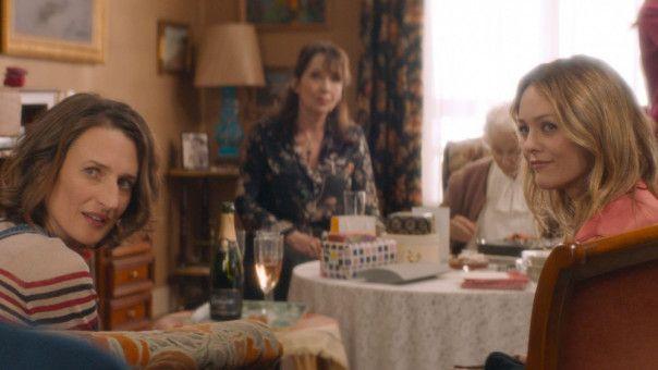 Beim gemeinsamen Essen brechen Konflikte auf. Und überhaupt: Wer kümmert sich um Oma?