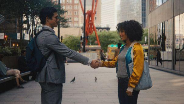 Daniel (Charles Melton) will Natasha (Yara Shahidi) davon überzeugen, dass ihre Liebe eine Chance hat.