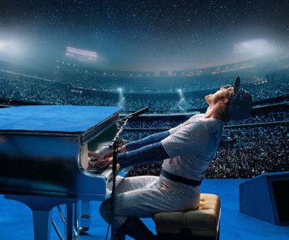 Auf dem Höhepunkt seiner Karriere füllt Elton John (Taron Egerton) die größten Stadien der Welt.