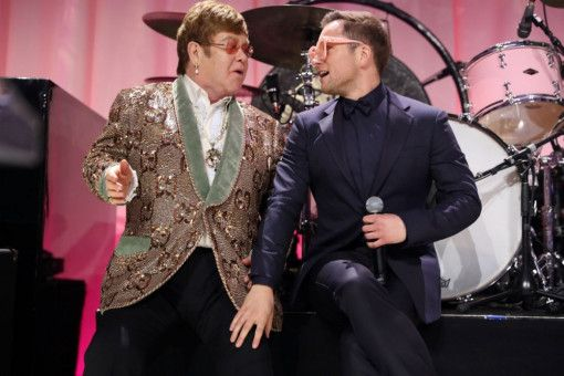 Taron Egerton (rechts) sang die Songs von Elton John alle selbst ein.
