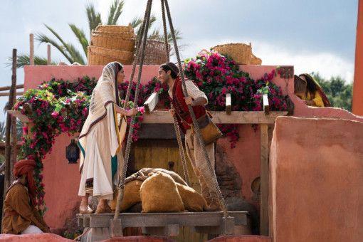 Romantischer Orient: Mena Massoud und Naomi Scott spielen Aladdin und Jasmin.