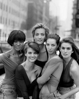 """Ein Bild, das Geschichte schrieb: Für die """"Vogue"""" fotografierte Peter Lindbergh Ende 1989 die Models Naomi Campbell, Tatjana Patitz, Christy Turlington, Linda Evangelista und Cindy Crawford (von links)."""