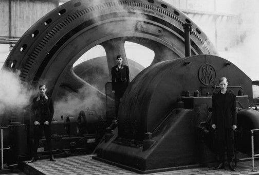 Mensch und Maschine: 1988 versammelte Peter Lindbergh Michaela Bercu, Linda Evangelista und Kirsten Owen vor seiner Kamera.