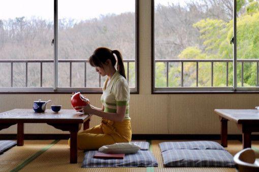 Der Liebe wegen verlässt Mei Lian (Jeanette Aw) ihre Heimat Singapur und zieht nach Japan.