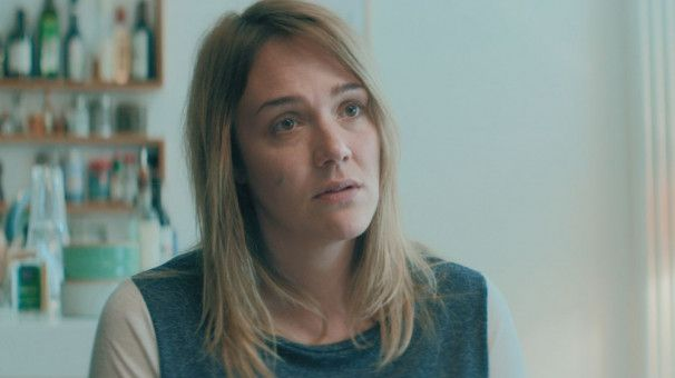 Natalie (Alwara Höfels) würde auch alles für ihre Tochter tun, allerdings nur, wenn für ein Spenderherz kein anderes Kind ermordet wird.