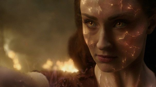 Ihre Augen leuchten, wenn die Phoenix-Kraft sie durchdringt, aber Jean Grey (Sophie Turner) wird dann auch sehr gefährlich!