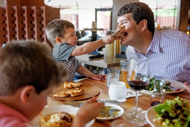 Angebote mit Biss: Immer mehr Restaurants sind auch auf kleine Besucher eingestellt.
