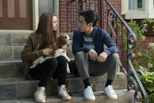 CJ (Kathryn Prescott) und Trent (Henry Lau) sind von Kind an beste Freunde.