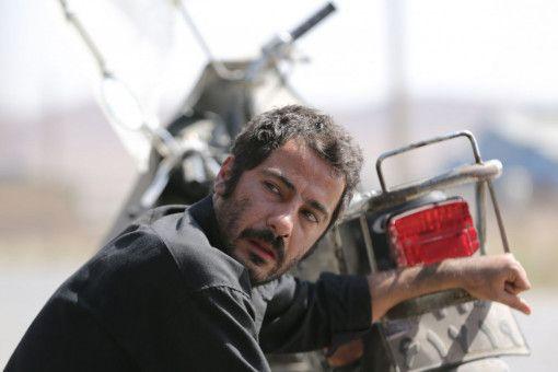Weil er in armen Verhältnissen lebt, findet Moosa (Navid Mohammadzadeh) kein Gehör.