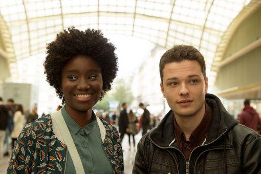 Der Vorstadt-Kriminelle Mathieu (Jules Benchetrit) verfolgt dank Anna (Karidja Touré) seinen Klavierunterricht etwas ernsthafter.