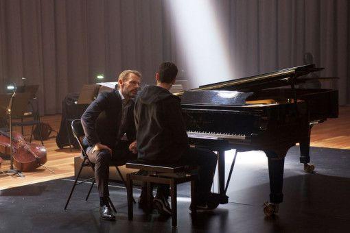 Das Ableisten von Sozialstunden führt Mathieu (Jules Benchetrit) zu Pierre (Lambert Wilson) an das Pariser Konservatorium. Der erkennt sein herausragendes Talent und will ihn zu einem großen Pianisten machen.