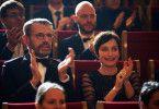 Gestatten: Pierre Geithner (Lambert Wilson), Führungskraft am Pariser Konservatorium, und die Gräfin Buckingham (Kristin Scott Thomas), beste Lehrerin am Konservatorium. Beide bewundern Mathieus Klavierspiel und wollen es zur Perfektion führen.