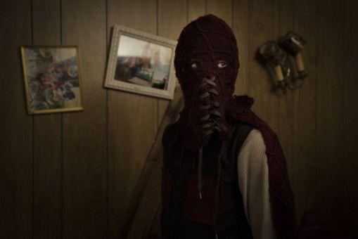 Wer hat Angst vorm Maskenmann? Brandons (Jackson A. Dunn) Verkleidung ist nichts für schwache Nerven.