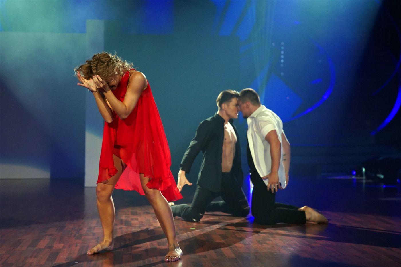 Auch ein Trio ist dabei: Marta Arndt tanzt mit Evgeny Vinokurov & Evgenij Voznyuk (Ehemann von Motsi Mabuse).