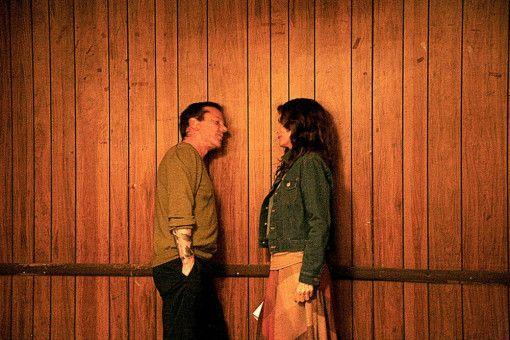 Als Kyra (Michelle Pfeiffer) auf Doug (Kiefer Sutherland) trifft, versucht sie ihre prekäre Lage zu verschleiern.
