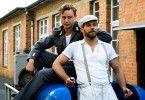 Alex (Ken Duken, rechts) vermittelt seinem Bruder Emil (Dennis Mojen) einen Job beim Film - ohne zu wissen, was er damit in Gang setzt.