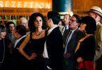 Babelsberg lockt auch französische Stars wie Beatrice Morée (Ellenie Salvo González) und Omar (Nikolai Kinski) an.