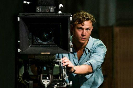 Um Milou wiederzusehen, setzt Emil (Dennis Mojen) alle Hebel in Bewegung und stürzt sich in ein Filmprojekt.