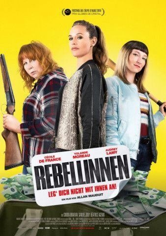 """Drei Damen aus der Fischfabrik verteidigen in der pechschwarzen Farce """"Rebellinnen - Leg' Dich nicht mit ihnen an!"""" ihre Zukunft und viel Geld gegen die belgische Drogenmafia."""
