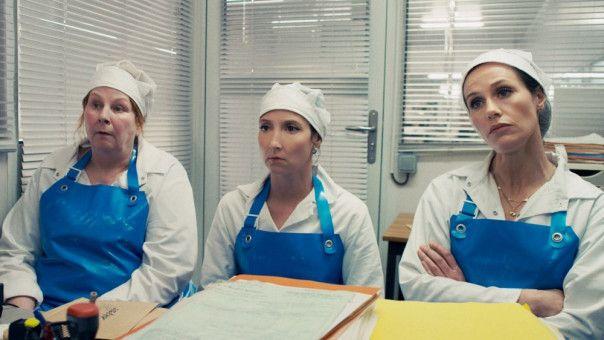 Die Arbeiterinnen Nadine (Yolande Moreau), Marilyn (Audrey Lamy) und Sandra (Cécile de France, von links) müssen zum Polizei-Verhör, nachdem der Fabrikchef spurlos verschwunden ist.