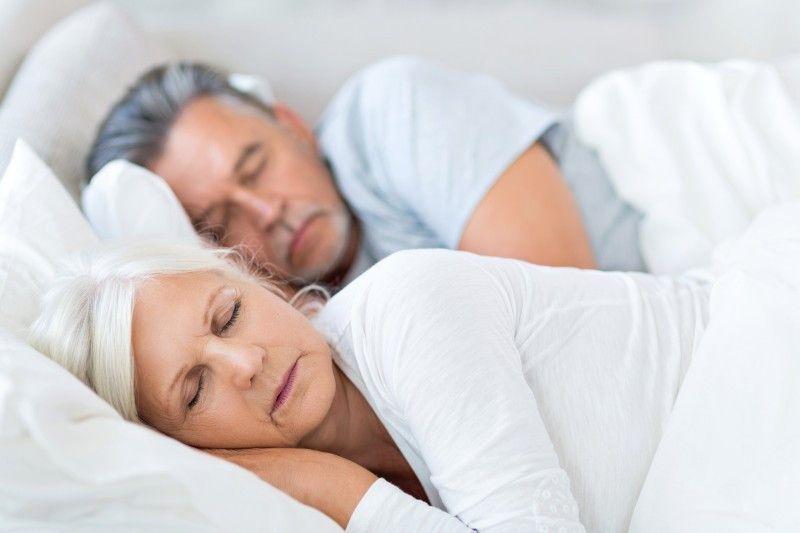 Tipps für guten Schlaf: Unsere Experten, drei erfahrene Apotheker, halfen unseren Lesern am Telefon, Gründe und Lösungen für Probleme beim Ein- und Durchschlafen zu finden.