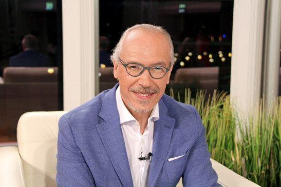 """Prof. Dr. Siegfried Meryn, Moderator der Sendung """"Meryns Sprechzimmer""""."""