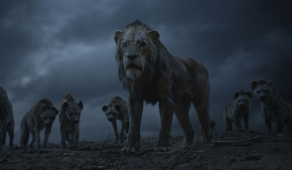 Der bösartige Scar führt mit den Hyänen ein zerstörerisches Regiment.