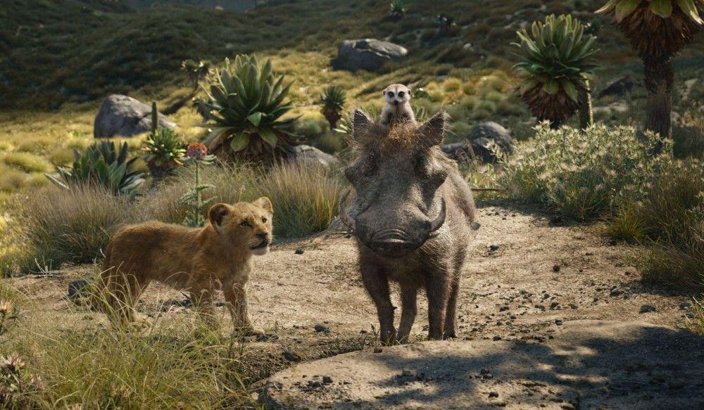 Das Warzenschwein Pumbaa und das Erdmännchen Timon stehlen Simba und den anderen Tieren eindeutig die Show.