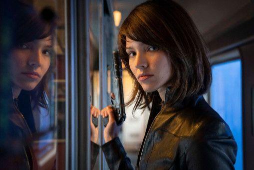 Bevor sie als Model entdeckt wurde, ist Anna (Sasha Luss) zur Attentäterin ausgebildet worden.