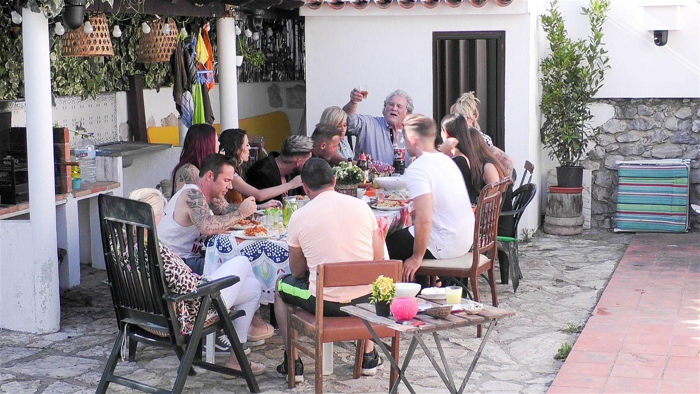 Der erste gemeinsame Abend auf der Terrasse.