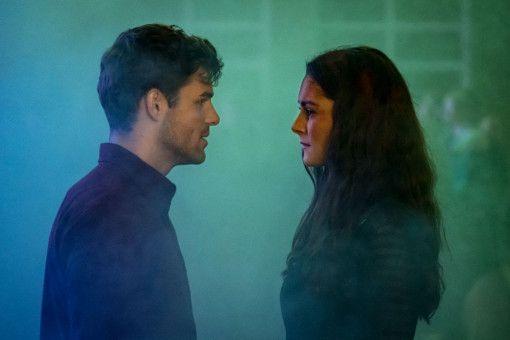 Zwischen Hannah (Lea van Acken) und Tom (Lucas Reiber) funkt es gewaltig.