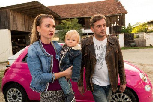 Susi (Lisa Maria Potthoff) traut ihrem Halb-Ex-Freund Franz (Sebastian Bezzel) nicht wirklich die Betreuung des gemeinsamen Sohnes zu.