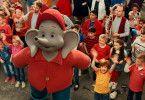 Seit über 40 Jahren ist der sprechende Elefant Benjamin Blümchen aus den Kinderzimmern nicht mehr wegzudenken. Nun erobert der Kinderstar auch die Kinoleinwand.
