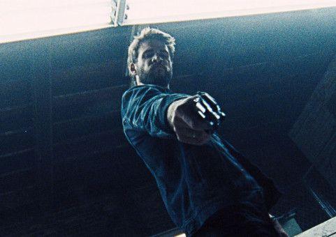 Moe (Liam Hemsworth) weiß nicht mehr, wer er ist - nach einem Unfall hat er sein Gedächtnis verloren.