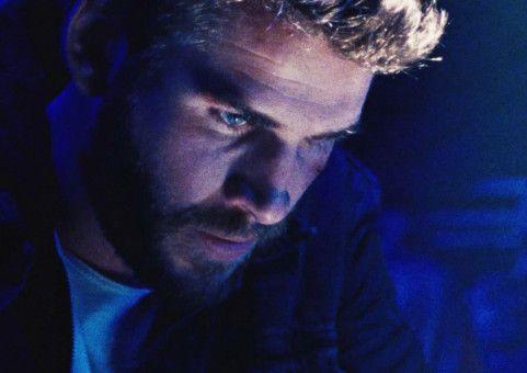 Bei einem schweren Autounfall verliert Moe (Liam Hemsworth) sein Gedächtnis. Nicht einmal seinen eigenen Namen kennt er noch.