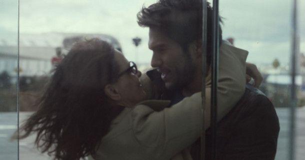 Ist das Zusammensein mit Alex (François Civil) für Claire (Juliette Binoche) Traum oder Wirklichkeit?