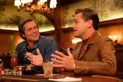 "Brad Pitt (links) als Cliff Booth und Leonardo DiCaprio als Rick Dalton tragen Tarantinos ""Once Upon a Time ... in Hollywood"" fast im Alleingang."