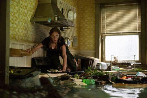 In ihrem Elternhaus macht sich Haley (Kaya Scodelario) auf die Suche nach ihrem Vater.