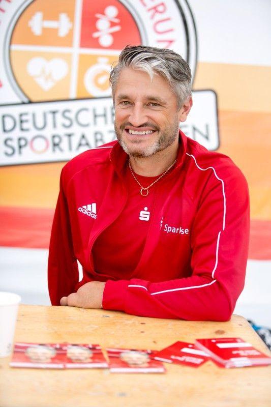 """""""Das Sportabzeichen ist eine tolle Sache, animiert zur Bewegung und verbindet Menschen mit und ohne Behinderung."""" - Gerd Schönfelder"""