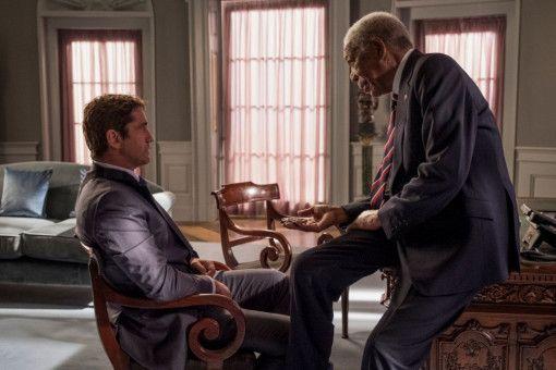 Von Bannings (Gerard Butler, links) Loyalität zutiefst überzeugt, will Präsident Trumbull (Morgan Freeman) ihn vom Leibwächter zum Secret-Service-Chef befördern.