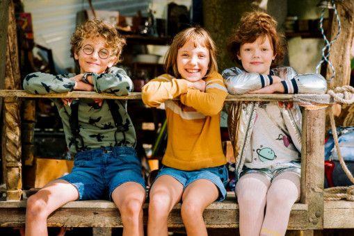 """Paul (Levi Kazmaier, links), Lola (Meggy Hussong, Mitte) und Cheyenne (Yola Streese) sind """"die wilden Kaninchen""""."""