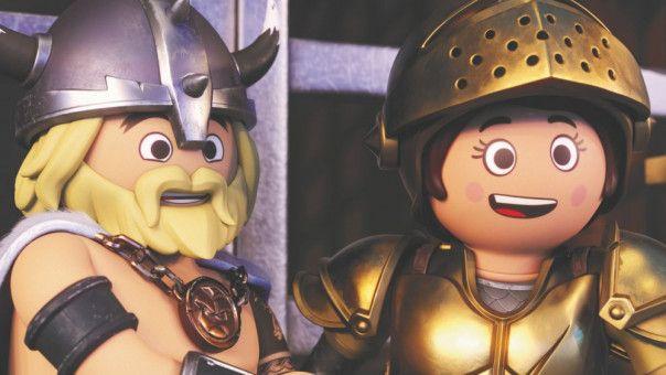 Charlie und Marla können es kaum glauben: Sie haben sich in Playmobil-Figuren verwandelt!