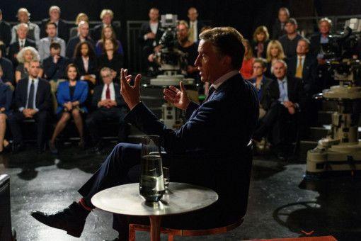 Lionel Macomb (Steve Coogan) lässt sich auf ein Experiment ein und spricht vor Publikum.