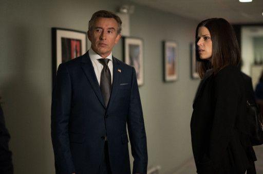 PR-Frau Valerie (Neve Campbell) und Radiomoderator Lionel Macomb (Steve Coogan) arbeiten nicht nur zusammen, sie sind auch privat ein Paar.