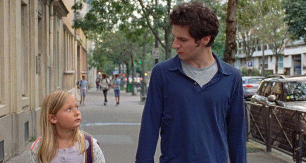 David (Vincent Lacoste) muss sich um seine kleine Nichte Amanda (Isaure Multrier) kümmern.