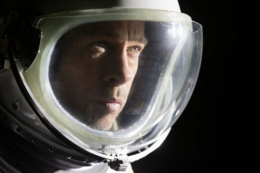 Gefangen im Raumanzug und gefangen im eigenen Ich: Roy McBride (Brad Pitt) ist ein nachdenklicher Mensch.