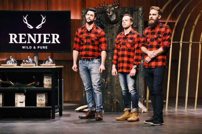 """<b>Folge 3:</b> Alexander Kirchmaier, Anton Vänskä und Tim Schulz sind ein internationales Team und haben in Schweden """"RENJER"""" gegründet, ein Unternehmen, das sich auf Trockenfleisch von Wildtieren spezialisiert hat."""