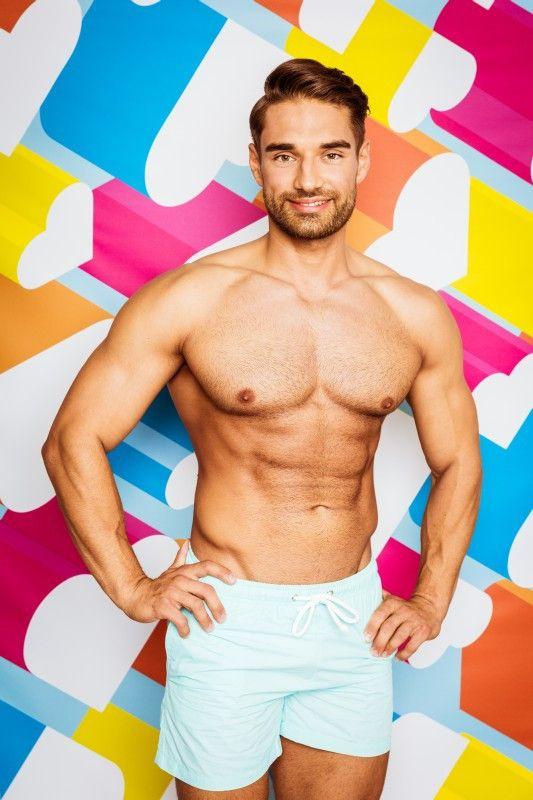 """Aleksandar ist in der zweiten Woche in der """"Love Island""""-Villa eingezogen. <b>Raus in Folge 24</b>"""